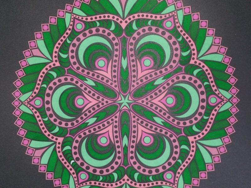 Mandala vert et rose