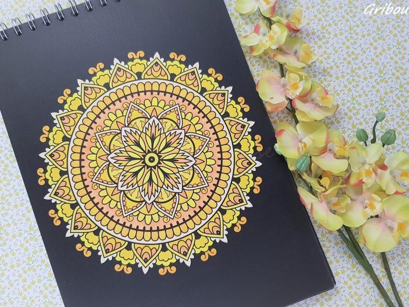 Mandala Nuit couleur soleil