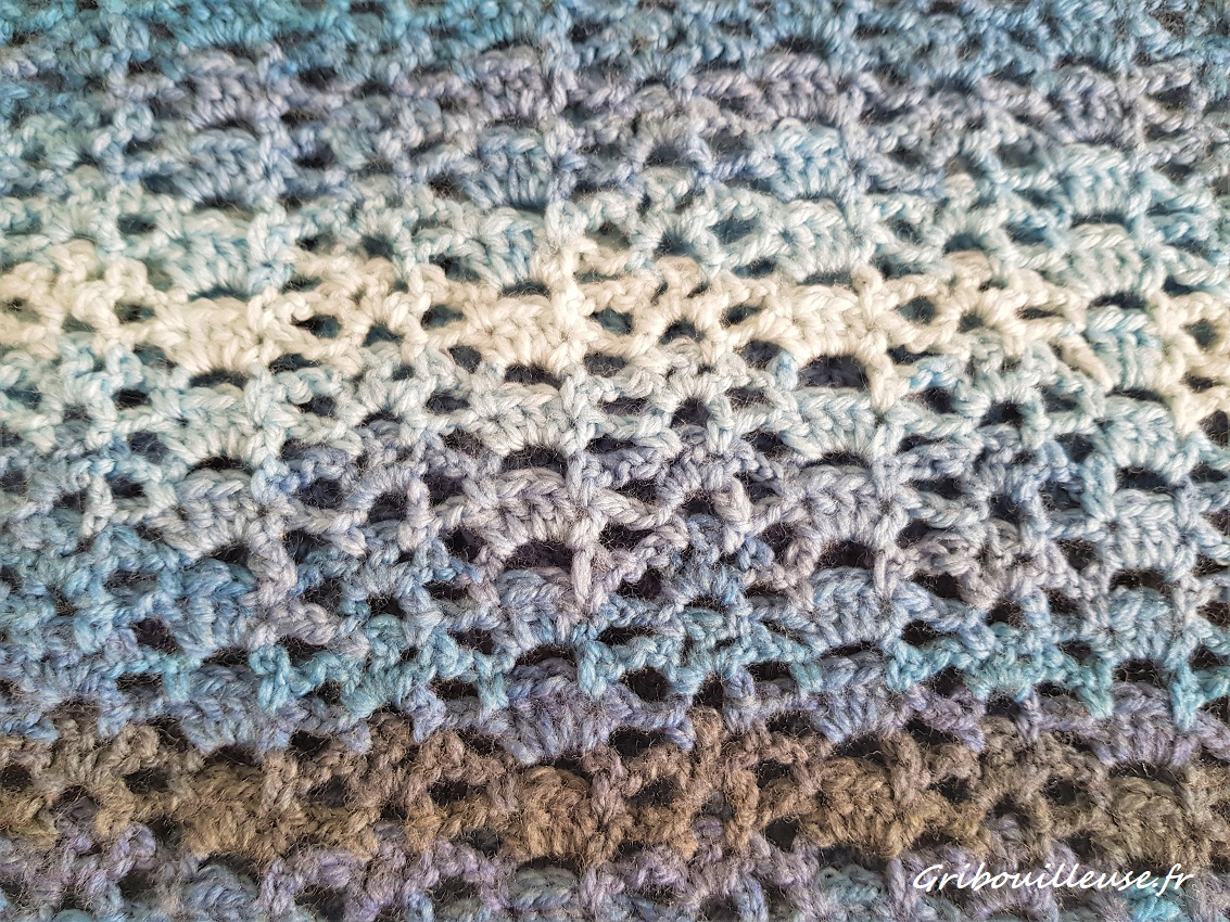 Echarpe au crochet DMC brio